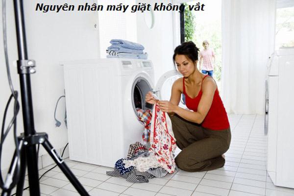 Cách sửa lỗi máy giặt Electrolux không vắt